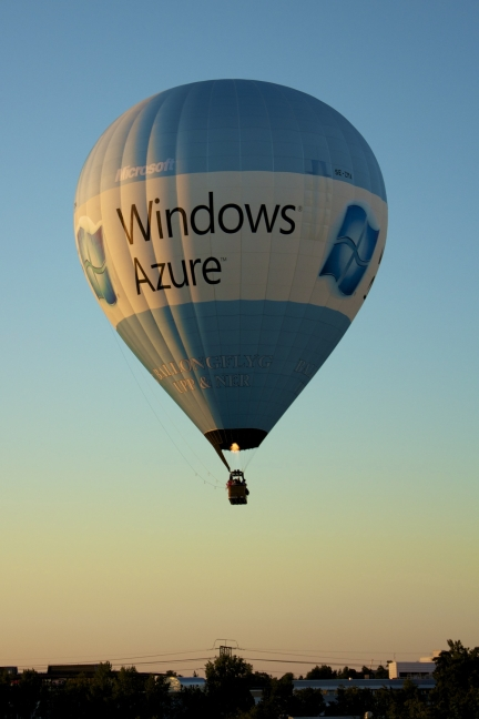 Azure Ballon - Credit http://owenrichardson.com/